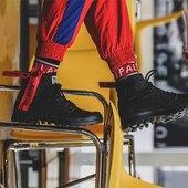 Un peu de couleur pour la rentrée avec Palladium : Pampa unzip en toile noire et zip rouge 😍😁👍 #shoesaddict #palladium #sneakers