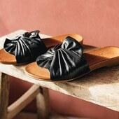 Une jolie mule en cuir noir de Coco&Abricot pour continuer la sélection de Balka 😍😍😍 (existe aussi en camel) #summer21 #womenshoes #fashion #muleshoes CocoAbricot www.balka.fr